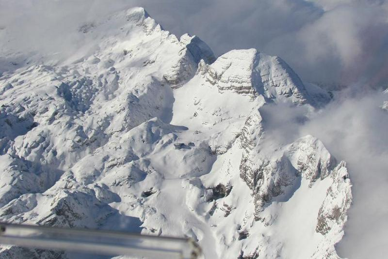 photo by: www.bovec-airfield.si