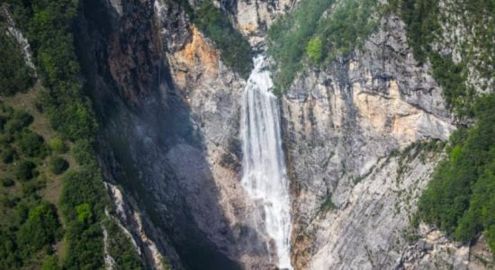 boka-waterfall-bovec-flights