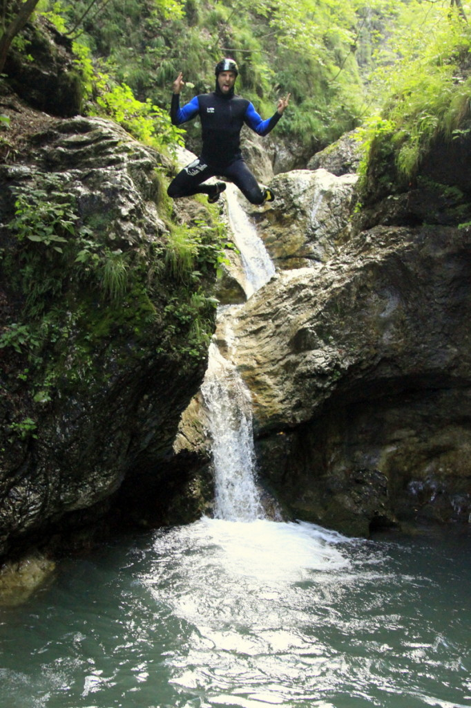 Guide Jumpin Off The Rock In Susec Canyon